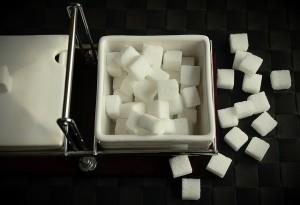 Valges suhkurus ja puuviljades olevad süsivesikud mõjutavad veresuhkrut väga erinevalt.