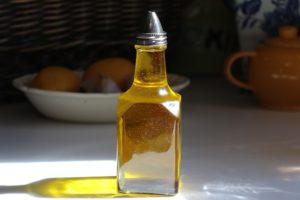 Külmpressitud toiduõli sisaldab rohkem kasulikke toitaineid võrreldes rafineeritud õliga.