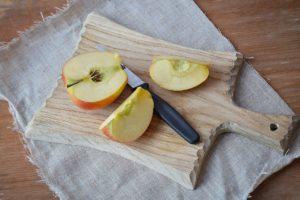 Õunad sisaldavad kaaliumi. Õunas leiduvad vitamiinid aitavad mineraalained kehasse viia.