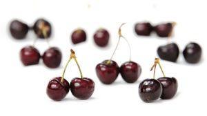 Kirssides olevat antioksüdanti melatomiini seostatakse hea une ja päevarütmiga.