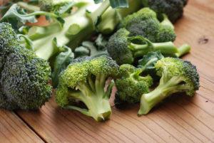 Magneesiumipuudus on välditav magneesiumirikaste tumeroheliste köögiviljade tarbimisega nagu brokoli.