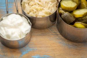 Probiootikume leiame rohkelt hapendatud toiduainetest nagu jogurt, hapukurk ja –kapsas.