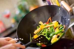 Köögivilju vokkides säilivad neis kasulikud kiud- ja toitained.