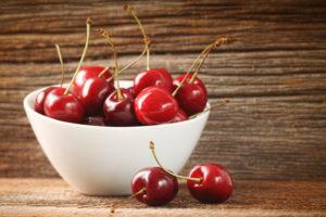 Kirsid sisaldavad melatoniini ning rohkelt C-vitamiini ja vaske.