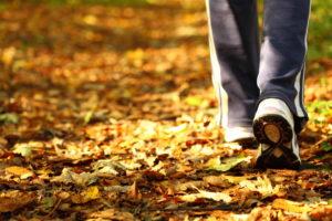 Kui näksimine on muutunud harjumuseks, siis tasub otsida asendustegevusi nagu jalutamine või raamatu lugemine.