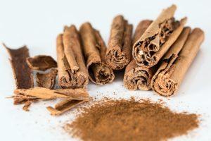 Kaneel sisaldab rohkelt antioksüdante ja kiudaineid ning omab põletikuvastast toimet.