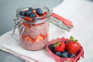 Maasika-tšiia puding