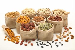Lastele on vahepalaks hea karbikesega kaasa panna pähkleid-seemneid ja värskeid marju-puuvilju.