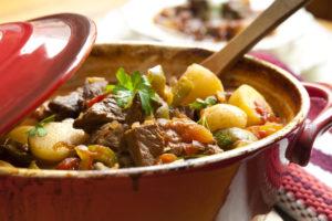 Erinevad pajaroad on mugavad variandid tööle tervisliku lõunasöögi kaasa võtmiseks.