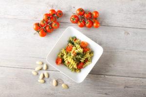 Tomatid, pähklid ja tervaviljatooted on head taimsed biotiiniallikad.