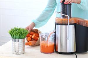 Kõige tervislikuma mahla saab, kui valmistada see ise värsketest viljadest.