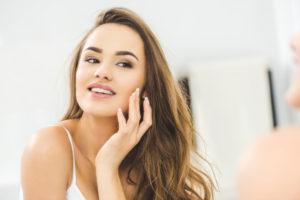 B3-vitamiin aitab ennetada naha vananemist ja vistrike teket ning kaitseb pellagra eest.