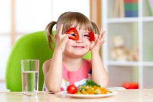 Lapsed armastavad värve ja rõõmsaid toite. Oma toiduvalikutes toetuvad nad täiskasvanuile, seega tuleb ise anda head eeskuju ning hoida laste toitumine täisväärtuslikuna.