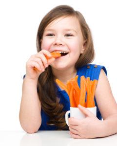 Porgandi söömine parandab suuhügieeni ning aitab ära hoida hamba- ja igemeprobleeme.