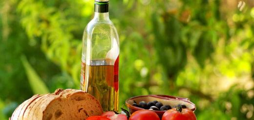 Vahemere dieet pakub rikkalikult taimetoitu, mis tagab vitamiinide ja fütotoitainete kättesaadavuse. Head rasvad vähendavad organismipõletikutaset.